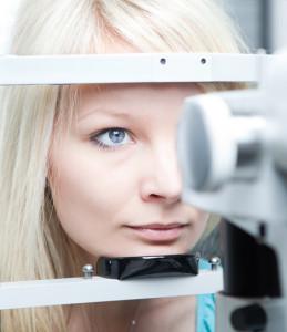 laserska operacija oči