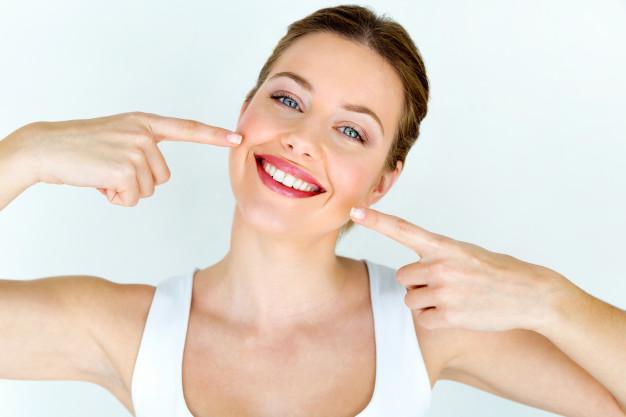 Implantati omogočijo da se ponovno smejite!