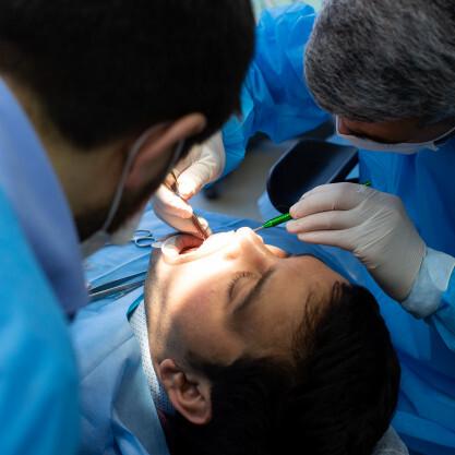 Reženjska operacija je manjši kirurški poseg pod lokalno anestezijo