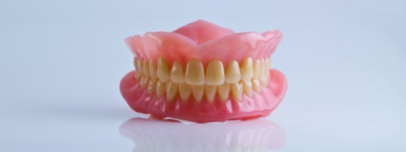Totalna zobna proteza