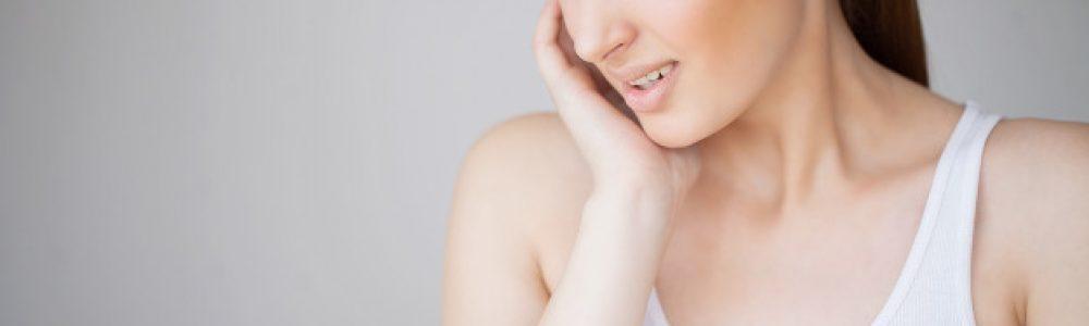 Zobni kamen pogosto povzroči vnetje dlesni